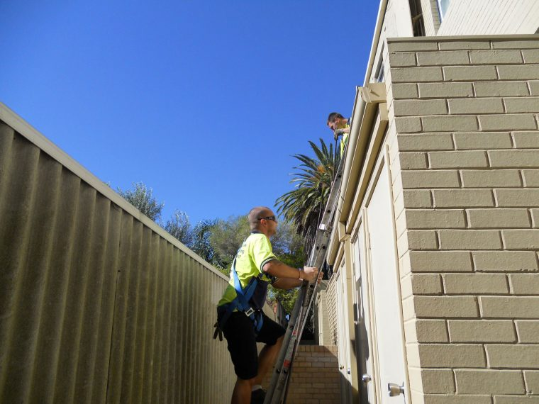 Gutter Cleaning Hire an Expert